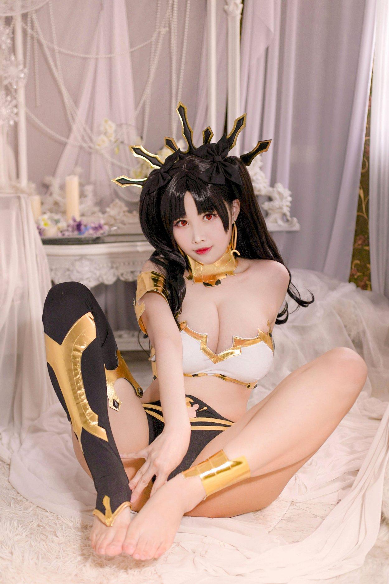 Fate/Grand Order Ishtar Cosplay by Kaya Huang Exudes a Godly Aura