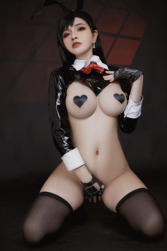 TifaLockhart Bunny Girl EroCosplay by Azami 20