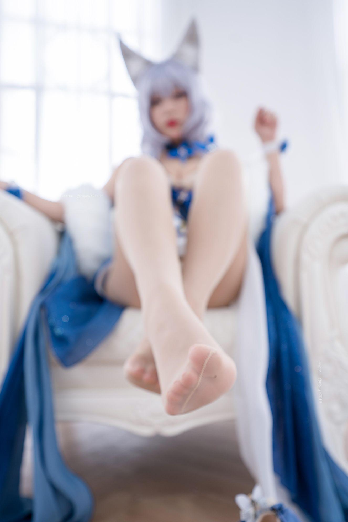 Azur Lane Shinano Cosplay by Bai Ye Extra Enticing Inviting 10