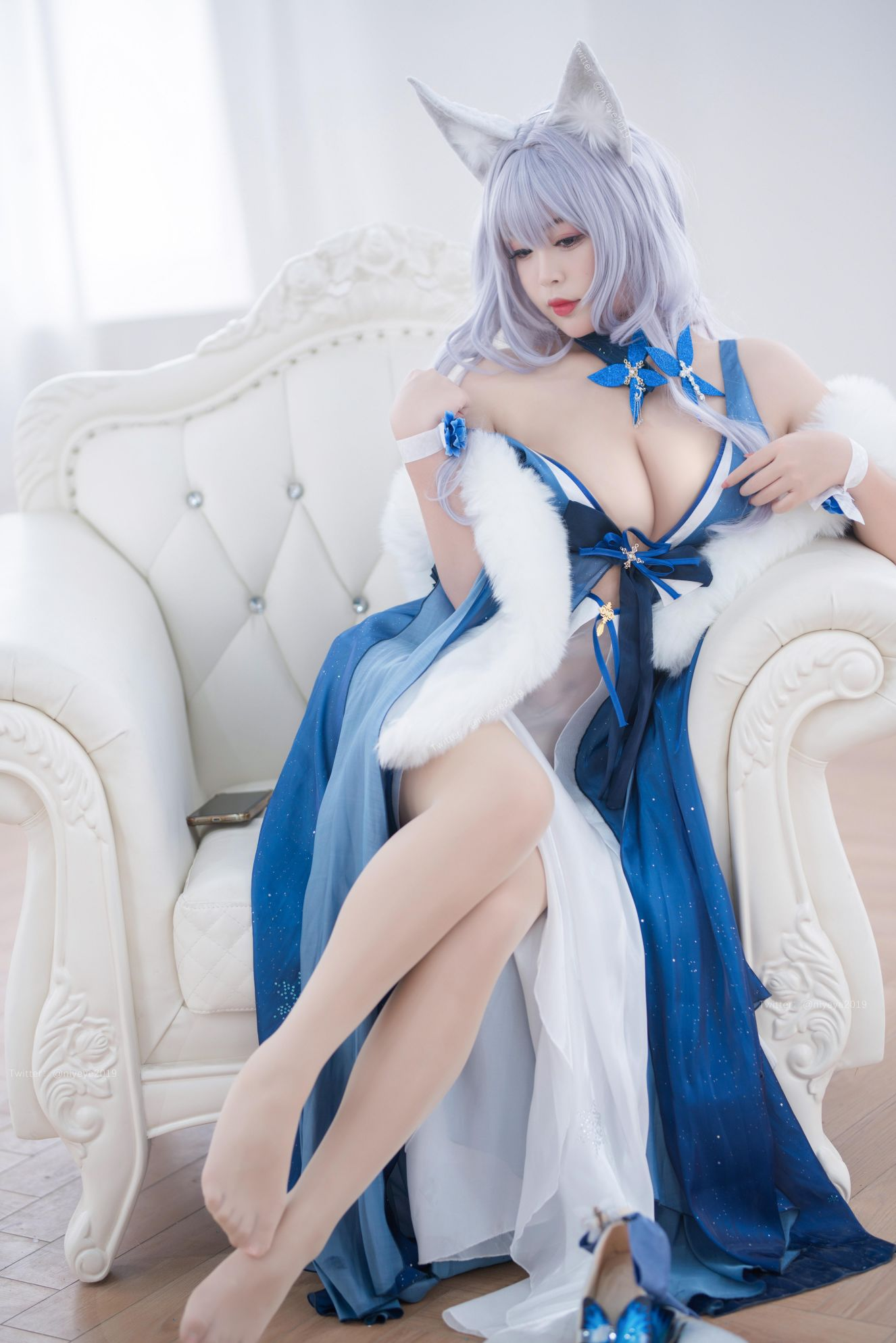 Azur Lane Shinano Cosplay by Bai Ye Extra Enticing Inviting 12